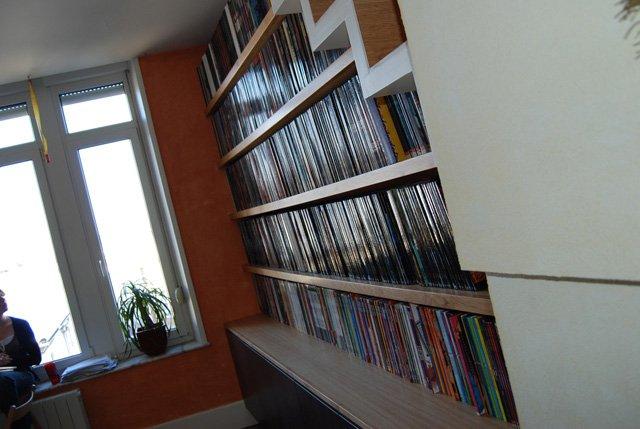 biblioth que sous escalier nos. Black Bedroom Furniture Sets. Home Design Ideas